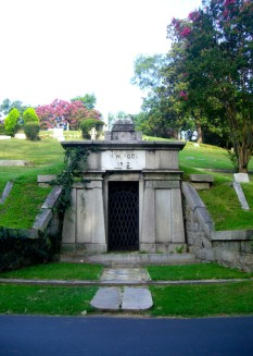 Tomb-of-WW-Poole-1--700x985